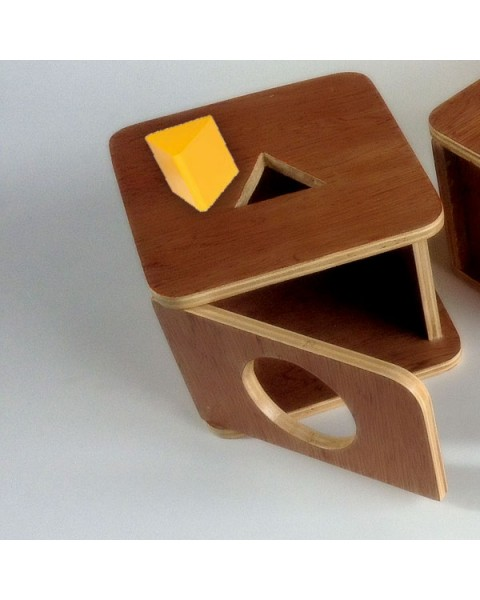 Imbucare Box with Triangle Prism